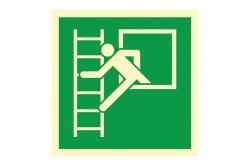Okno ewakuacyjne z drabiną - znak ewakuacyjny BHP